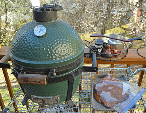 Preheating a Big Green Egg Mini-Max