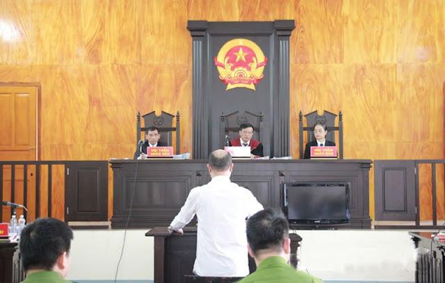 Bị cáo chỉ tay chửi thẳng mặt Chủ tọa phiên tòa và Viện kiểm sát đầy phẫn uất 1