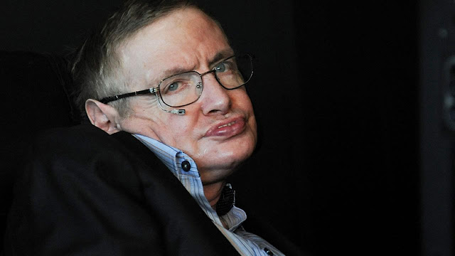Image Attribute: British physicist Stephen Hawking attends the 2010 World Science Festival opening night gala performance at Alice Tully Hall on Wednesday, June 2, 2010 in New York. (AP Photo/Evan)