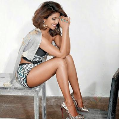 Priyanka Chopra Hot Gallery | Tophubz.com
