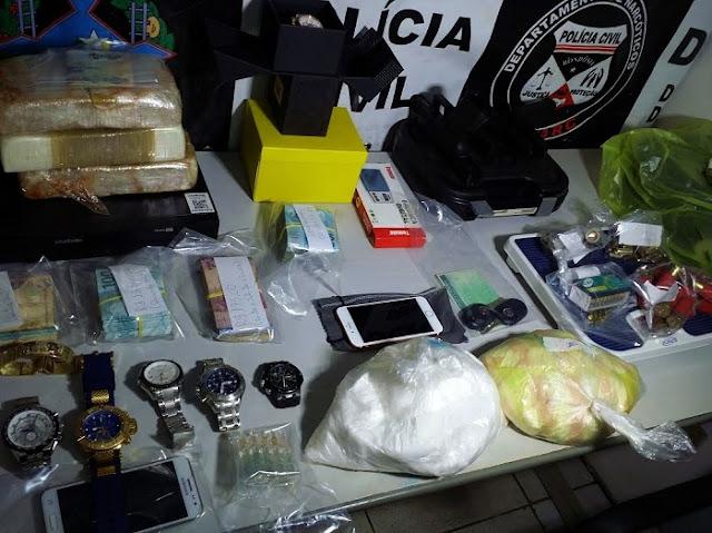 Agente Penitenciário se corrompe e é flagrado por Denarc com cocaína