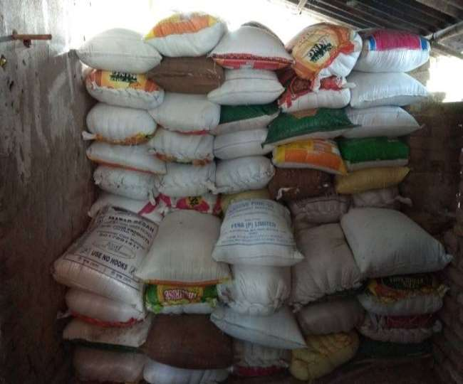 Deoria News- गोरखपुर के बगल देवरिया जिले में FCI गोदाम से 500 बोरी गेहूं से भरा ट्रक चोरी