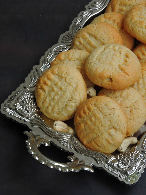 Eggless Cashew & Coconut Cookies