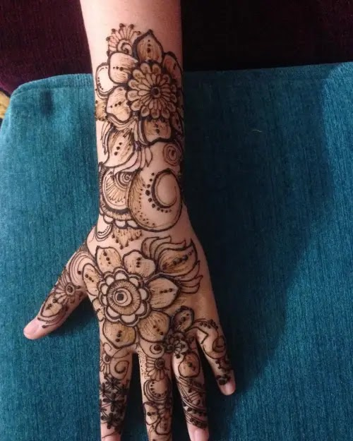 Full-flowers-with-henna-design