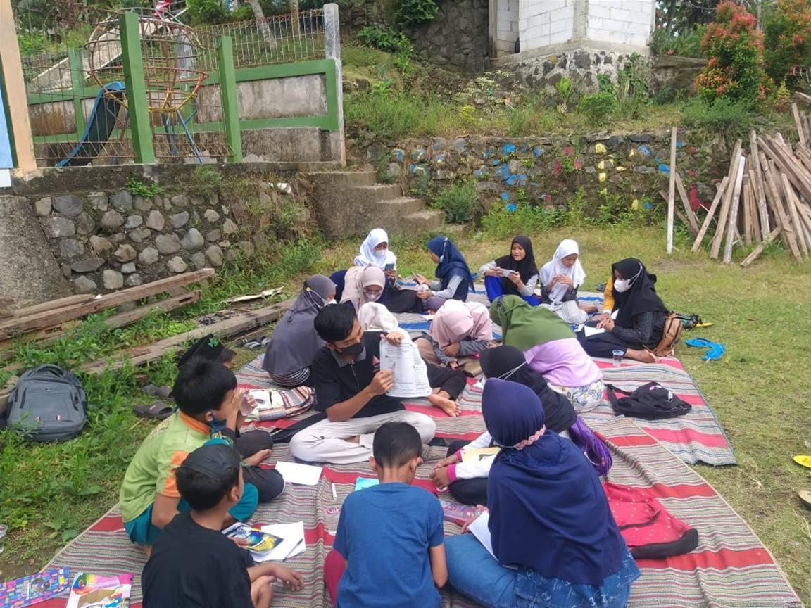 Songsong Dimulainya PTM, Karang Taruna Gelar Peniron Mengajar