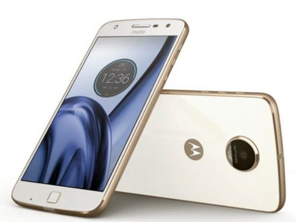 Moto Z Play possui bateria que dura muito, Android puro e volta do conector para fone de ouvido