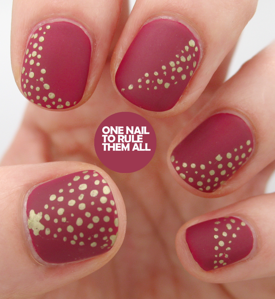 Simple Christmas Nail Art: One Nail To Rule Them All: Matte Christmas Nails
