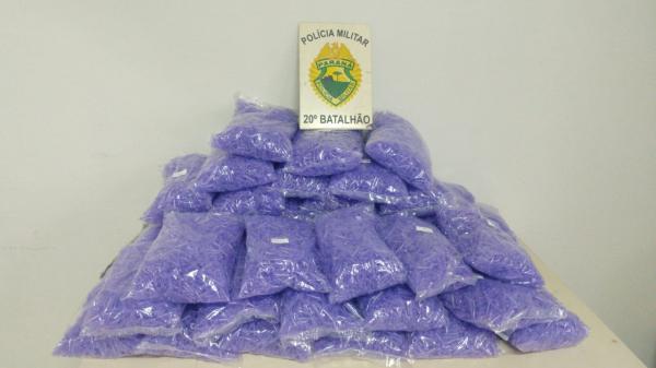 Perseguição em Colombo termina com bandido baleado e apreensão de 600 porções de drogas