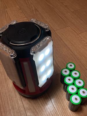 単一電池8本をセット可能