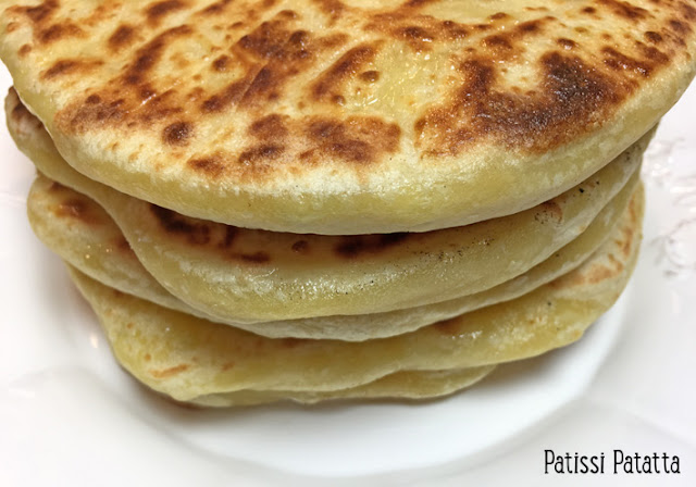 recette de pain au fromage, pain fromage à la poêle, krachapuri, cuisine géorgienne, pain farci de fromage, pains géorgien, pains farcis, galettes farcies, façonnage des pains au fromage, saveurs d'ailleurs, patissi-patatta