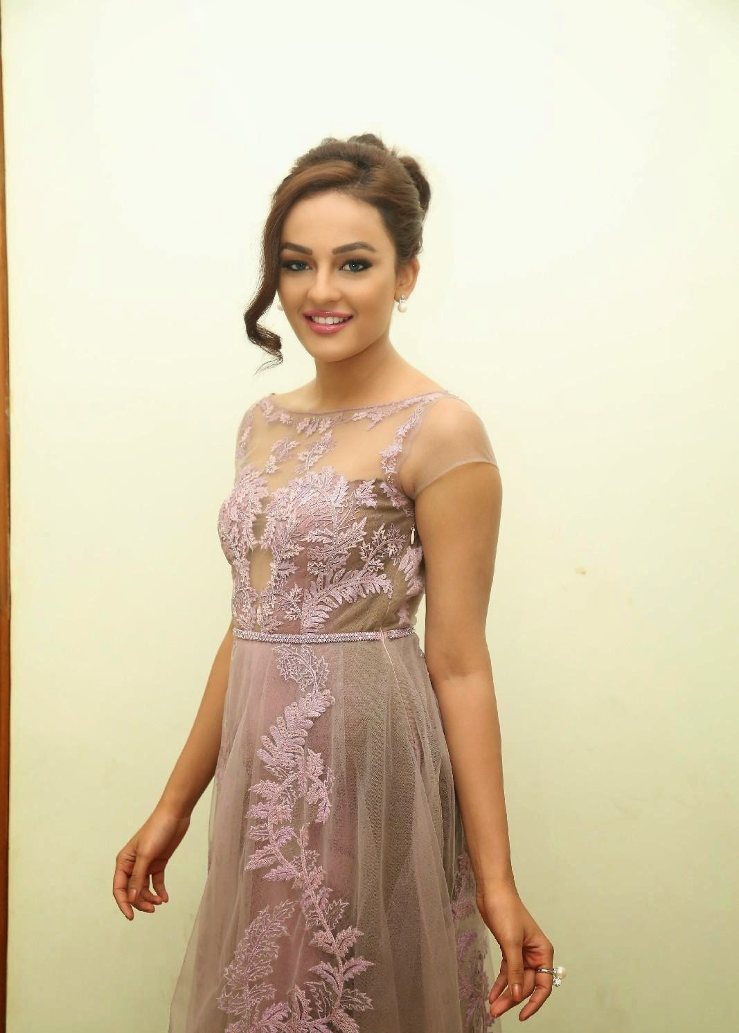 High Quality Bollywood Celebrity Pictures Seerat Kapoor -5523