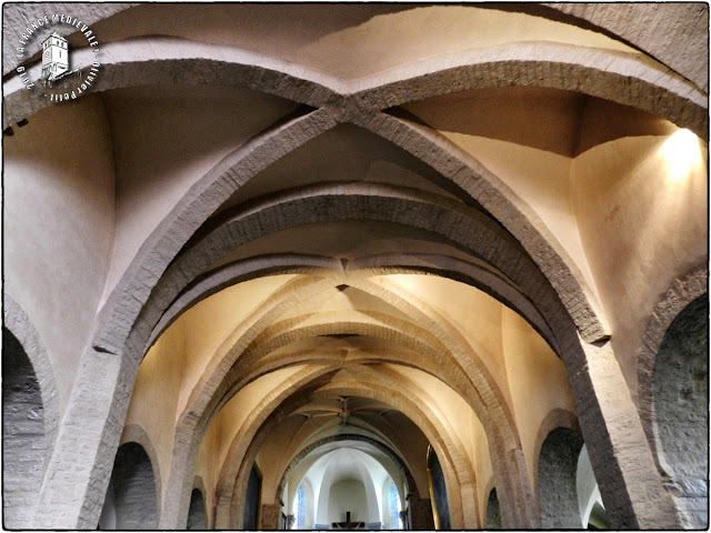 CHATEAU-CHALON (39) - Eglise Saint-Pierre (XIIe-XVe siècles)