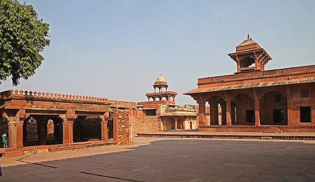 14 Insanely Photogenic Historical Places in North India, fatehpur sikri