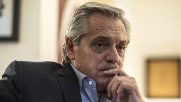Fernández: Argentina no puede pagar deuda contraída con FMI