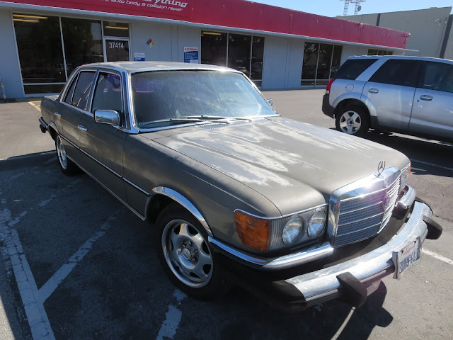 1979 Mercedes S-Class with delaminating clear coat.