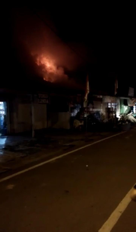Toko Alat Pertanian di Tebo Terbakar Karena Ditinggal Pemilik ke Rumah Anak