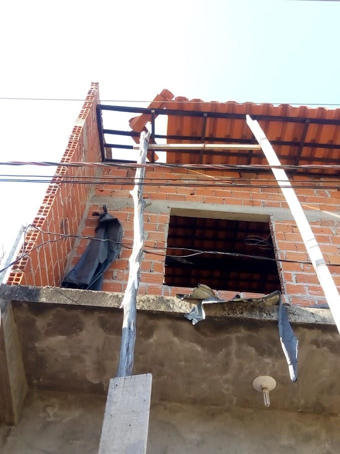 Em Chapadinha, Homem recebe descarga elétrica, cai de prédio e é socorrido pelo Corpo de Bombeiros