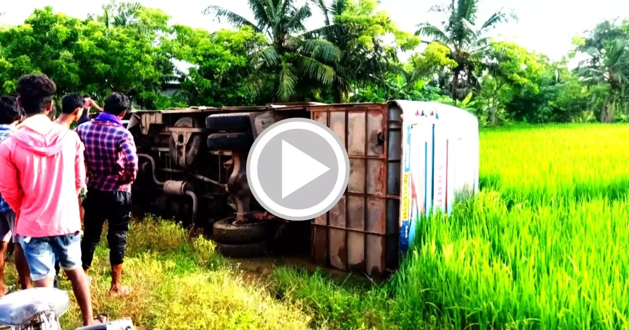 A-passenger-bus-overturned-near-Baleshwar-Degreepahi-Chowk-losing-its-balance