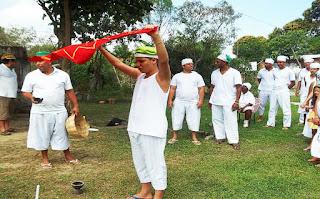 Cerimônia a Olofin - Deus - sol - orixás - candomblé