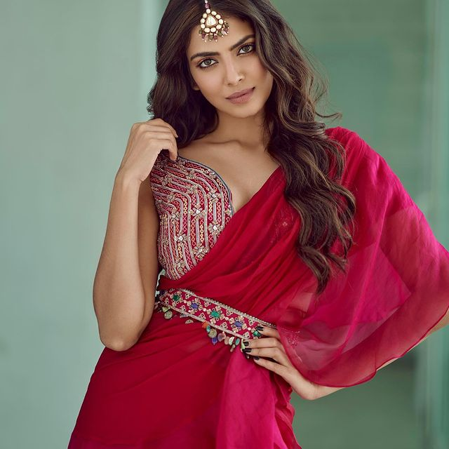 Actors Gallery: Malavika Mohanan Pictures Shoot For Wedding Vows Pictures