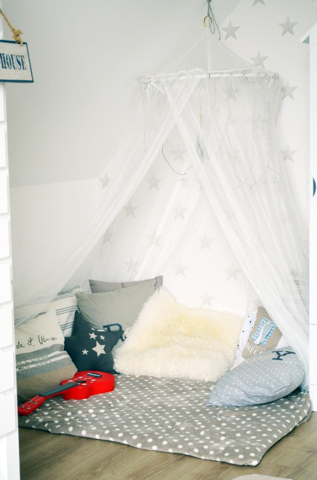 kuschelecke kinderzimmer. Black Bedroom Furniture Sets. Home Design Ideas