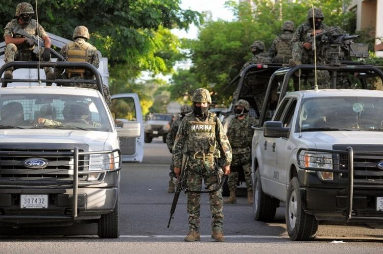 """Confunde con """"narco"""" la DEA y la Marina a joven en Culiacán."""