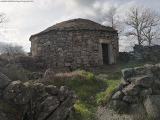 MENHIR / Vale de Cales, Castelo de Vide, Portugal
