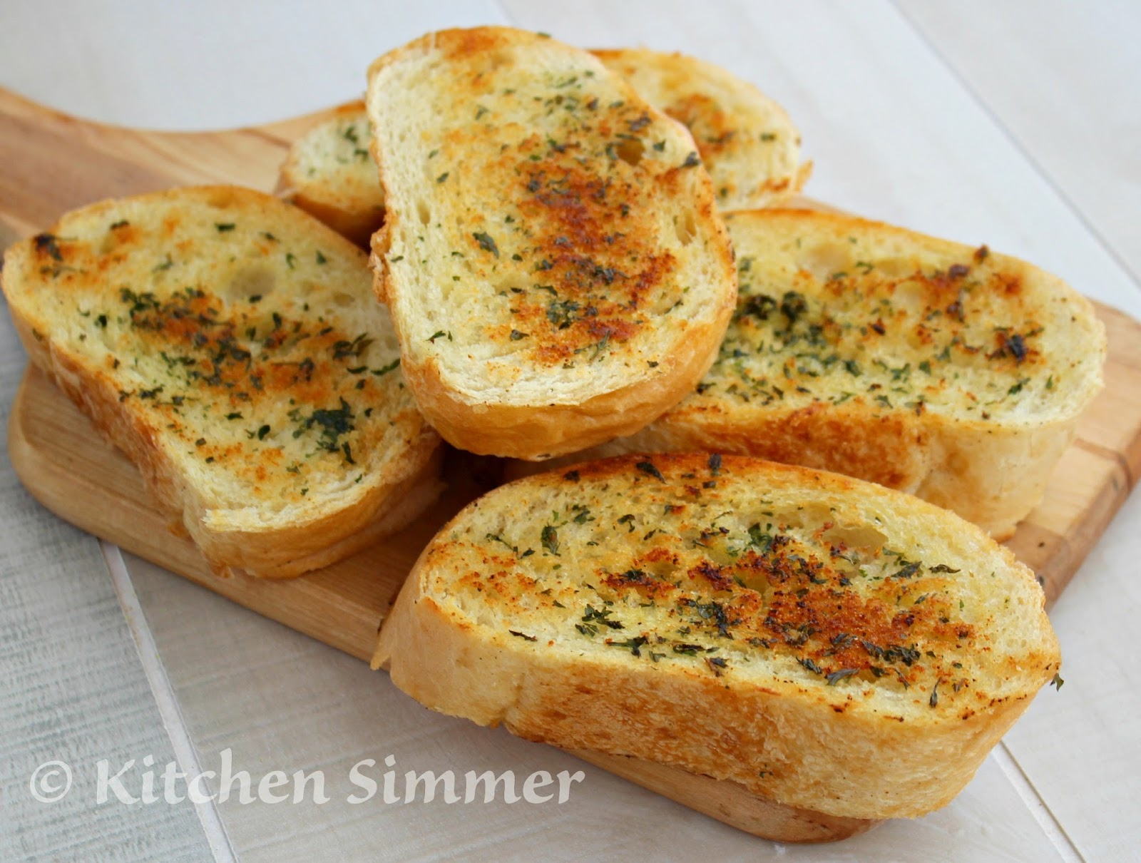 Kitchen Simmer: Quick Skillet Garlic Bread