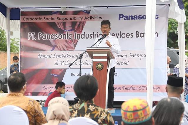 Rudi Menghadiri Penyerahan Bantuan Paket Sembako dari PT Panasonic Industrial Services Kepada Warga Baloi Permai