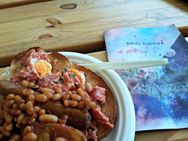 Breakfast at the Solar Cafe, Soul Circus 2019