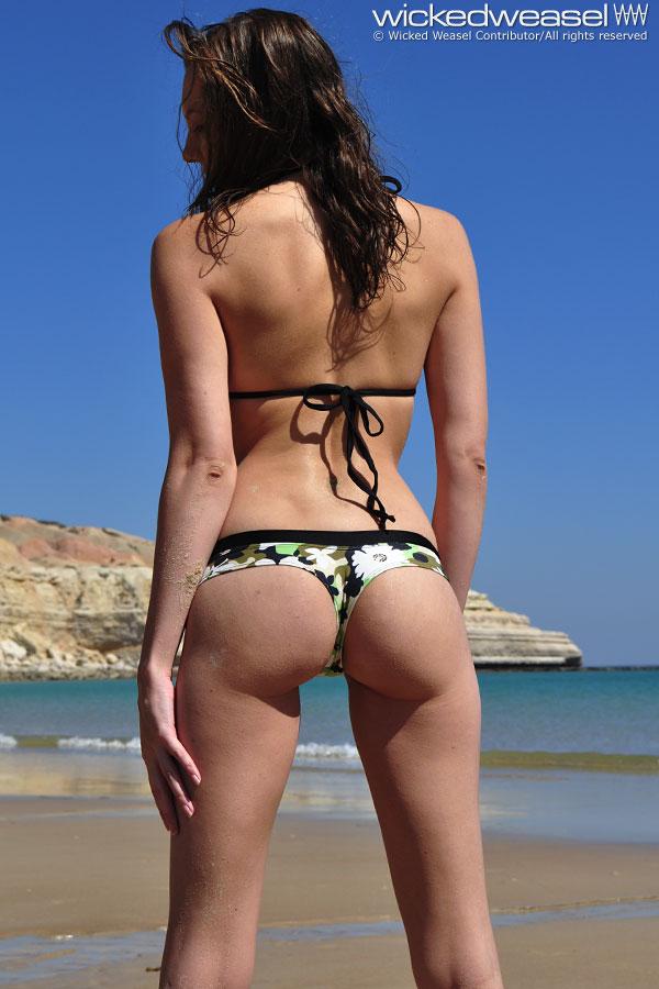 Wicket Bikini 64