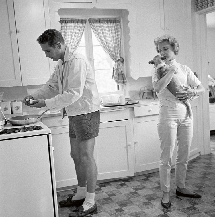 A Vintage Nerd, Old Hollywood Blog, Vintage Blog, Retro Lifestyle Blog, Classic Film Blog, Audrey Hepburn, Old Hollywood at home, Candid Photos of Old Hollywood, Stars at home, Paul Newman at home, Bette Davis at home, Black and White Photography, Candid Classic Movie Stars