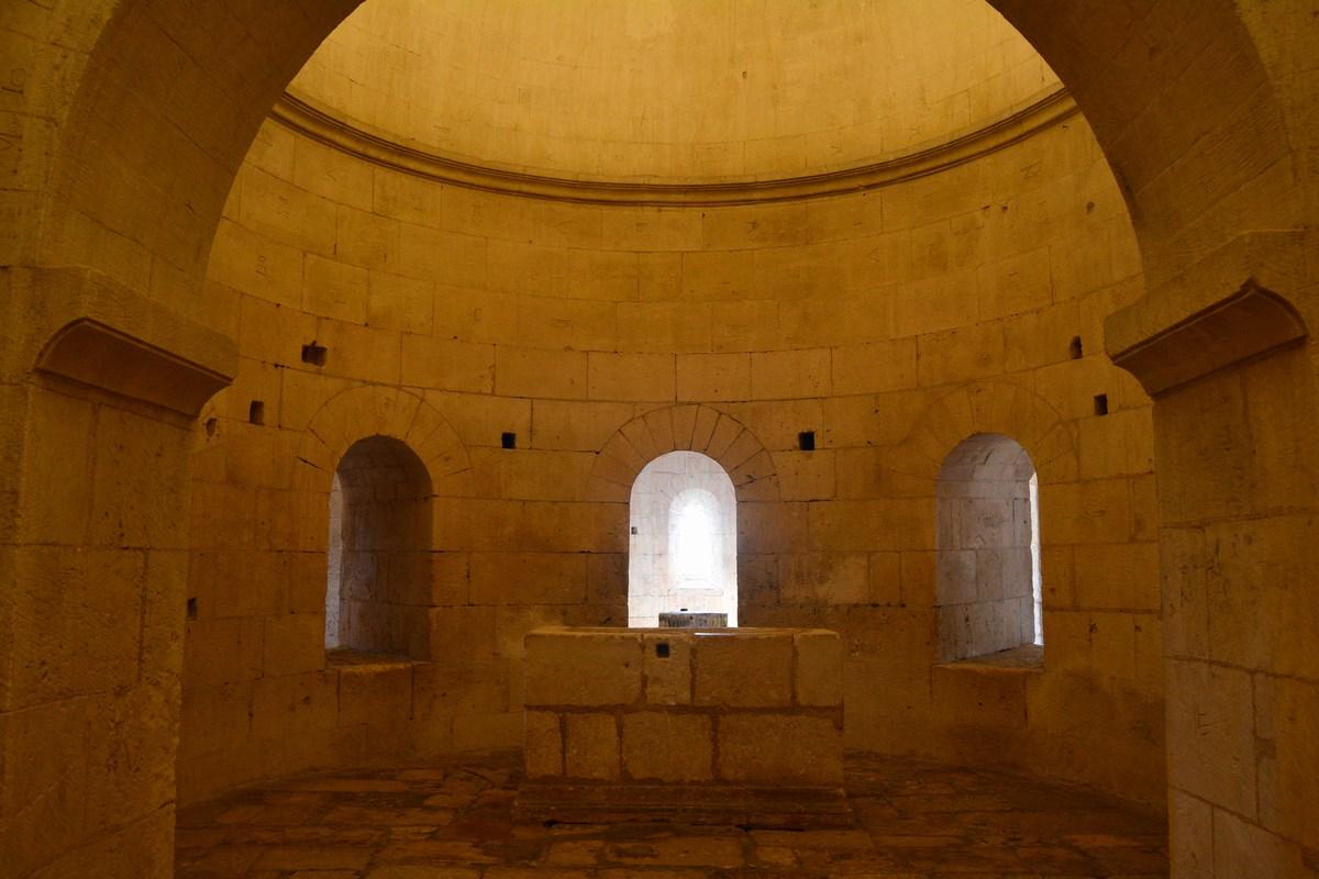 crypte abbatiale de Montmajour