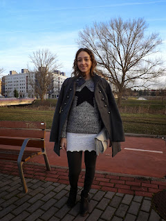 http://conndenoemi.blogspot.com.es/2015/02/falda-crochet.html