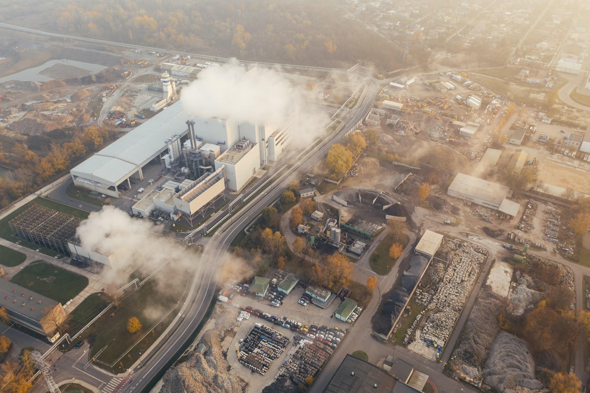 Emissões atmosféricas industriais