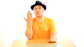 Gira la mano mágicamente. Truco revelado 07