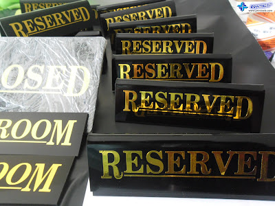 Acrylic Signs With Metallic Gold Stickers - Teppan Okochi