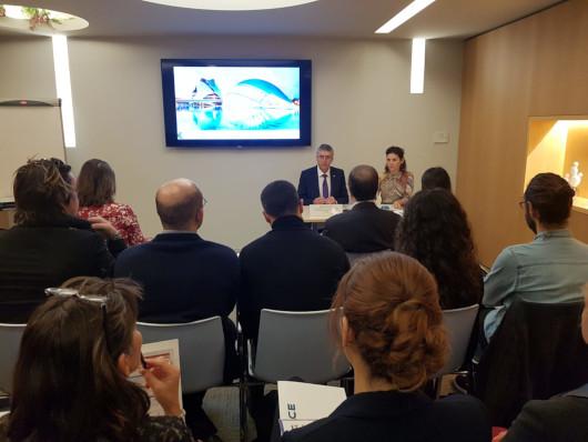 Economía promociona la Comunitat Valenciana como destino de inversión en un seminario en París