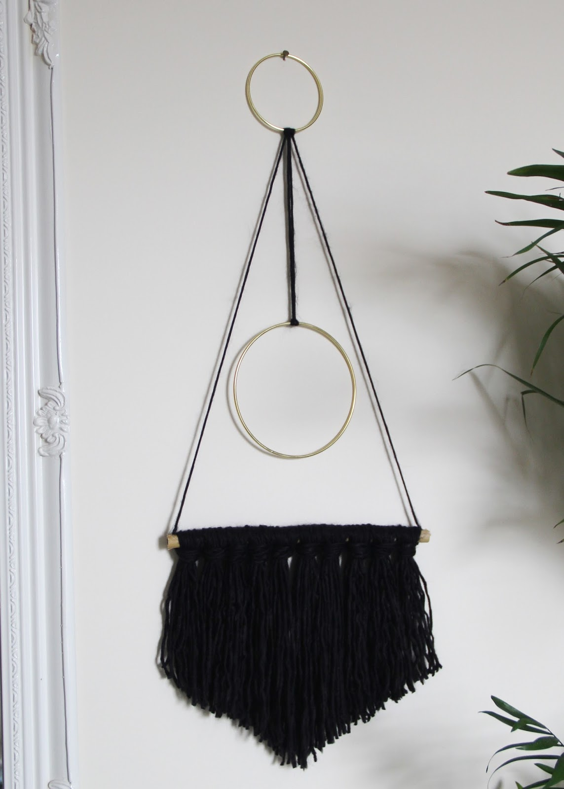 Lizzie the Magpie: How to: DIY Yarn Wall Hanging
