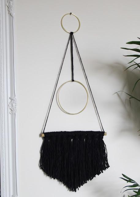 DIY no weave yarn wall hanging