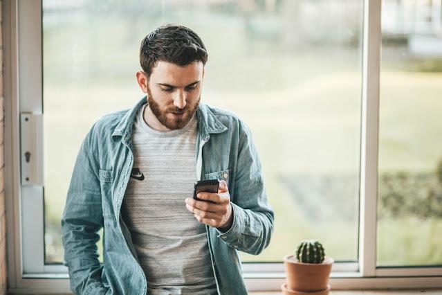 5 Alasan Tidak Boleh Stalking Mantan di Media Sosial