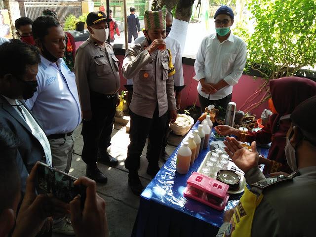 Kunjungi Kampung Sehat, Waka Polres Sumbawa Bangkitkan Spirit