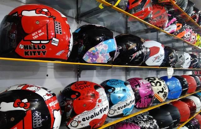 2 kriteria pemilihan helm terbaik