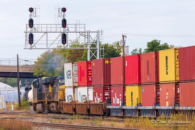 CSX intermodal train Q009-27 departs DeWitt Yard