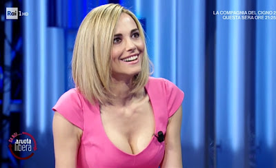 Francesca Fialdini sorride da noi a ruota libera 25 aprile