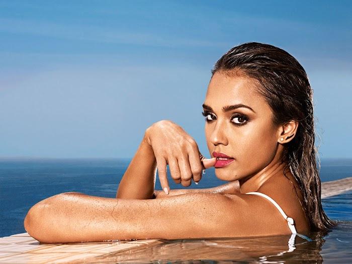Jessica Alba Hot Bikini Images-60 Most Sexiest HD Photos of Fantastic Four fame Seduces Us Atmost