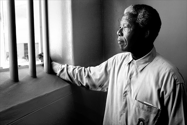Mandela in cell © David C. Turnley