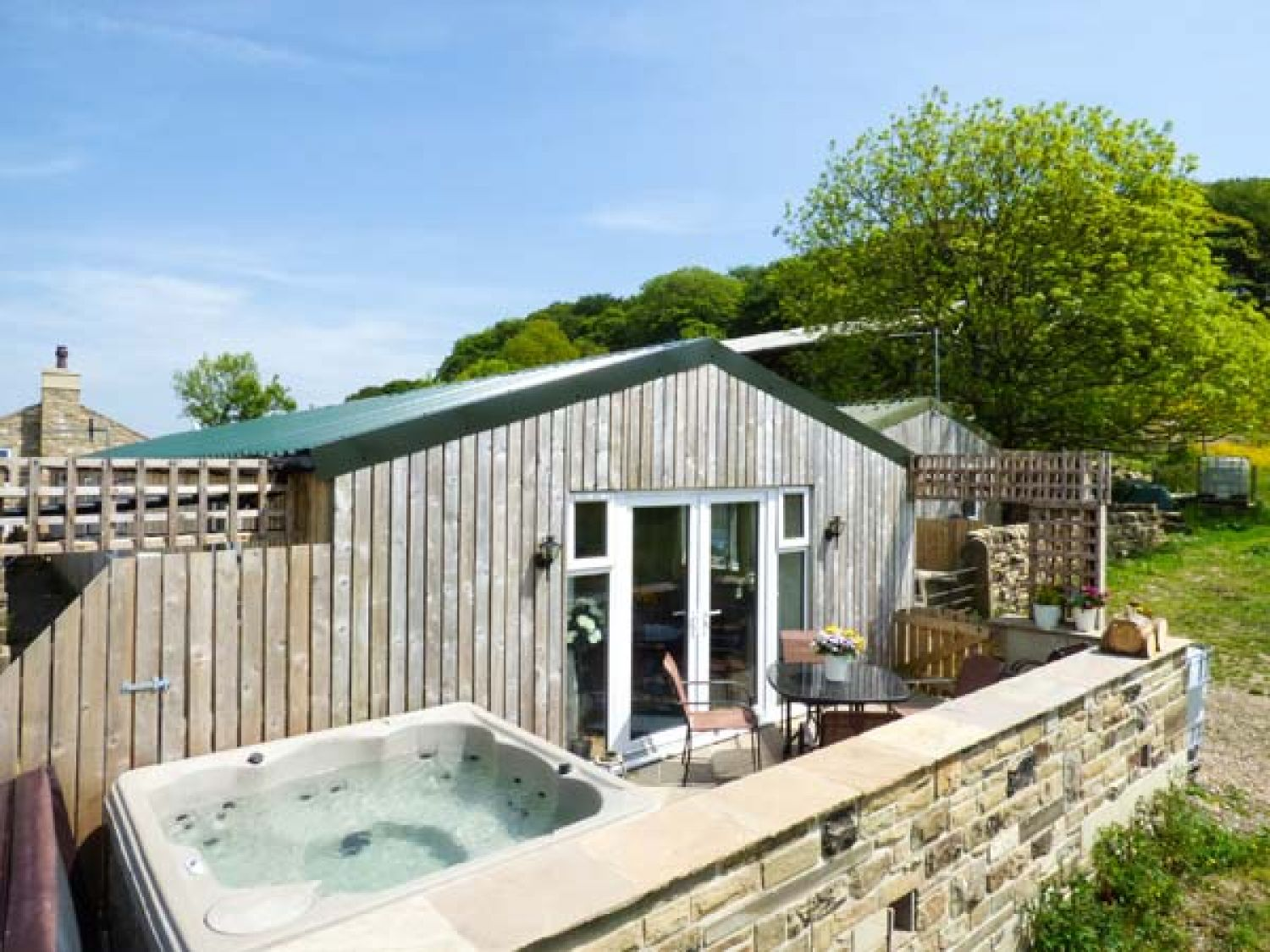 20 Lodges with Hot Tubs within a 90 minute drive of York  - The old piggery