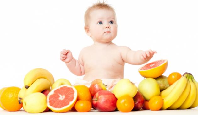 Berikut Cara Yang Tepat Memberikan Buah pada Si Kecil Sesuai dengan Usia Anak agar Selalu Sehat Dan Tidak Mudah Sakit