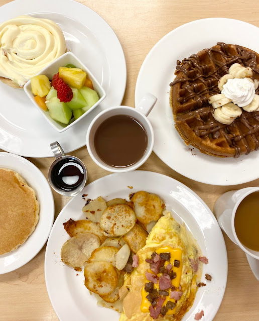 New Dine-in Breakfast Features at Hy-Vee
